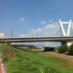 Climbing up to an awesome bridge ....